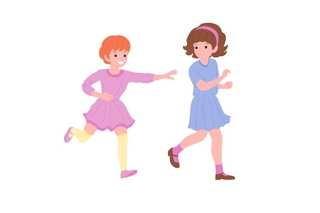 Счастливые дети, играющие в спортивные игры. мальчики и девочка занимаются физическими упражнениями. дети играют в догонялки. активное здоровое детство. плоские векторные иллюстрации шаржа, изолированные на белом фоне