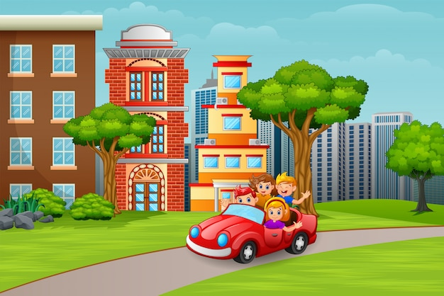 도시로가는 차를 타고 행복한 아이들