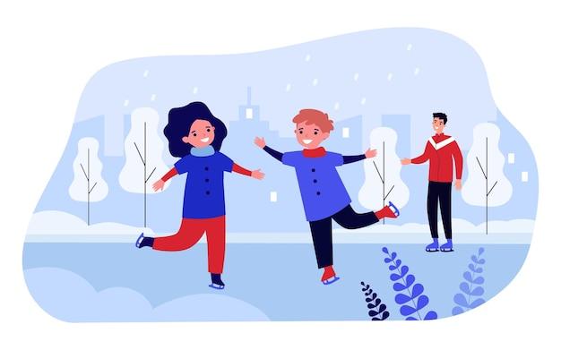 公園で一緒にスキーをする幸せな子供たち。スケートリンクでリラックスして楽しんでいる小さな子供たちの男の子と女の子の笑顔。冬のアクティビティ、週末の家族の時間。ベクトルフラット漫画イラスト。