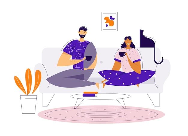 自宅でソファでコーヒーを飲む幸せなカップル。昼食をとっている男性と女性のキャラクター。一緒にロマンチックなデートの時間。