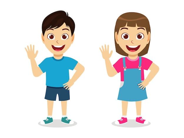 Счастливый милый ребенок мальчик и девочка говорят привет, улыбаясь вместе