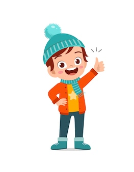 행복한 귀여운 작은 아이디어가 있고 겨울철에 재킷을 입습니다.