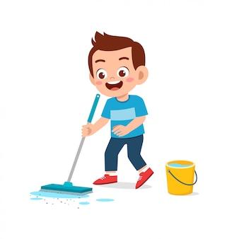 幸せなかわいい子供男の子と女の子は床の掃除の家事をします