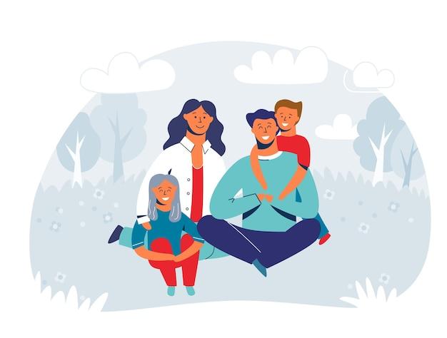 피크닉을 즐기는 행복 한 가족. 어머니, 아버지와 어린이 문자 웃 고 잔디에 앉아. 공원이나 숲에있는 사람들.