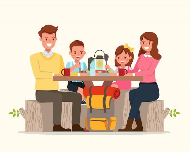 Счастливая семья отправиться в кемпинг.