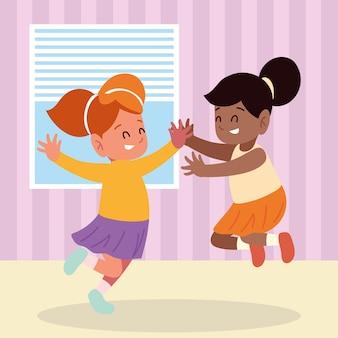 Счастливые девушки прыгают в комнате