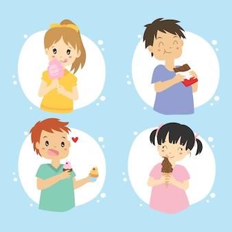 Счастливые дети едят сладости и торт векторный набор