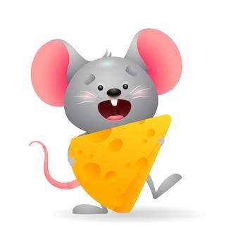 Счастливая маленькая мышь ест сыр