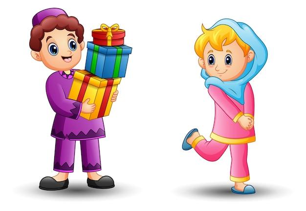 ハッピーイスラム女の子の漫画は少年からの贈り物になる