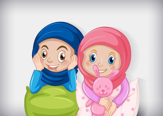 Felice ragazza musulmana in pigiama