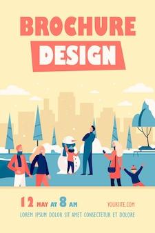 Persone felici che camminano nel modello di volantino isolato parco invernale freddo