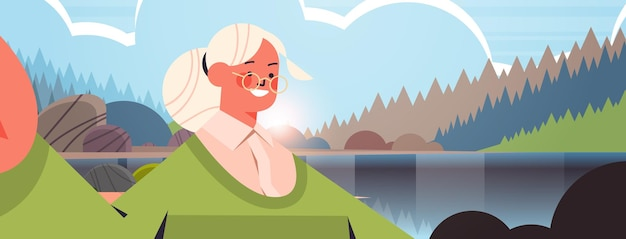 スマートフォンのカメラで自分撮りをしている幸せな年配の女性カメラの祖母が自己写真を作る美しい自然風景背景横向きの肖像画ベクトル図