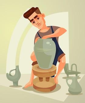 Счастливый улыбающийся гончар делает глиняный горшок