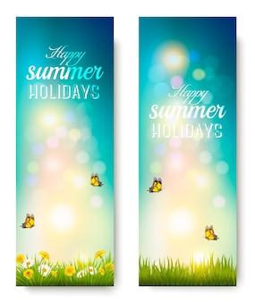 꽃, 잔디, 나비와 함께 행복 한 여름 휴가 배경. 벡터