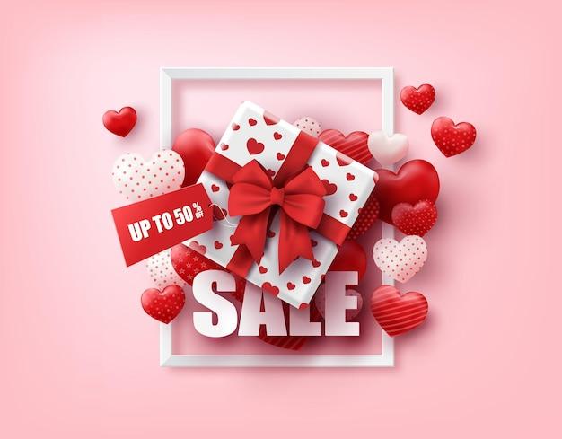 С днем святого валентина подарочная коробка и воздушные шары сердца