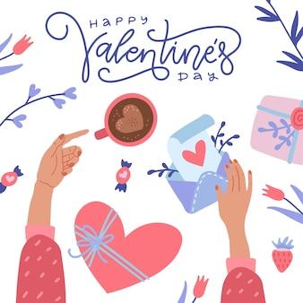 幸せなバレンタインデーのグリーティングカード。コーヒーとラブレターの封筒を保持している女性の手。机の上面図。