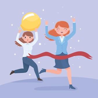 전구 및 교차 목표와 함께 행복 한 여성 리더십