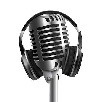 마이크가있는 헤드셋 사운드 스튜디오 헤드폰. 오디오 음악 및 라디오 방송 장비 장치.