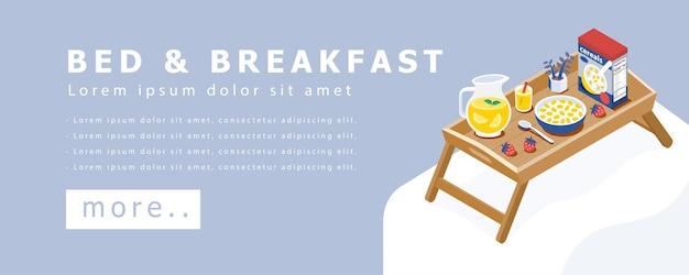 ベッドのコンセプトバナーの木製テーブルトレイで健康的な朝食