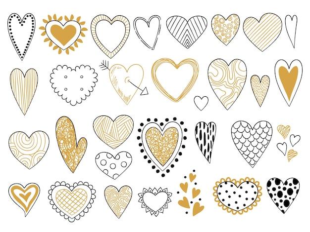 Эскиз сердца. символы любви валентина элементы графических форм каракули набор. наброски иллюстрации и каракули нарисованные формы золотые сердца