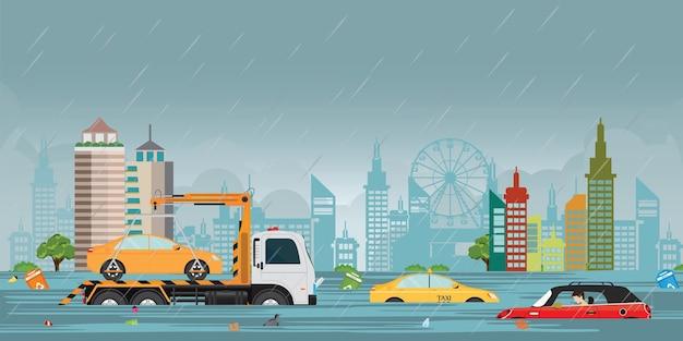 重い雨が降り、都市の眺めで都市が洪水します。
