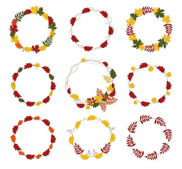 Привет осенний венок круглая рамка с красочными листьями набор ягод на белом backgrond