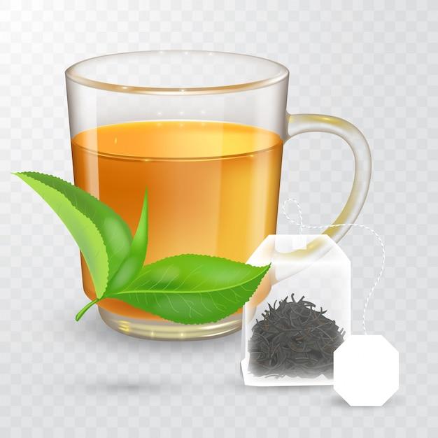透明な背景に分離された黒茶または緑茶と透明なカップの高詳細なイラスト。ラベルが付いた平らな長方形のティーバッグ。現実的な緑茶の葉。リアルなスタイル
