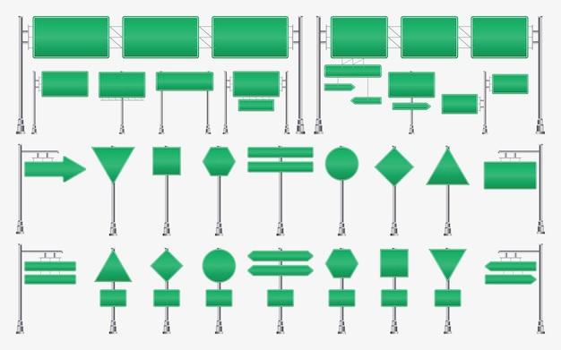 고속도로 녹색 도로 표지판 도시 교통 방향을 가리키는 강철 기둥에 빈 간판 보드