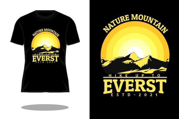 エベレストシルエットのtシャツのデザインにハイキング