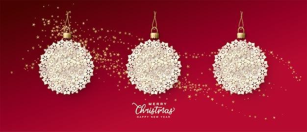 Праздничный рождественский баннер с елочными шарами, состоящими из бумажных снежинок