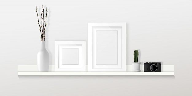 ホームインテリアデザイン、フレーム、カメラ、白い壁、家具のインフォグラフィックの棚の上の装飾。