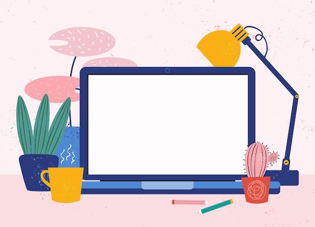 自宅の職場。ラップトップを備えた居心地の良いデスクトップ。在宅勤務。テキスト用のモニターの空白の画面