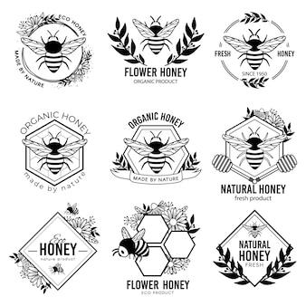 ハニーラベル。養蜂エコ製品バッジ、養蜂天然有機プロポリスステッカー。花の蜜の広告タグベクトル分離セット。蜂のエンブレム、養蜂バッジ有機イラスト