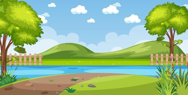 낮에는 강변 전망과 빈 하늘이있는 수평선 자연 장면 또는 풍경 시골