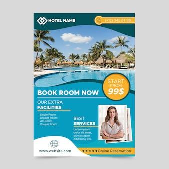 Modello di volantino di informazioni dell'hotel con foto