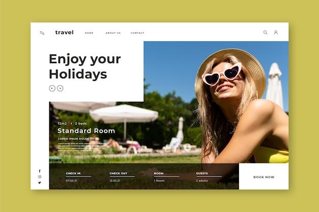 Modello di pagina di destinazione dell'hotel con foto