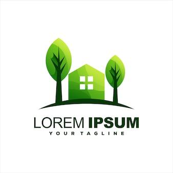 家の緑の木のロゴデザイン