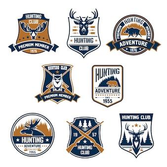 Набор эмблемы охотничьего клуба. векторные охотничьи спортивные эмблемы