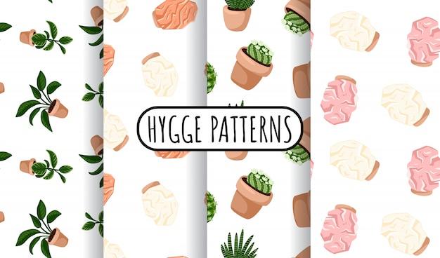 多肉植物の鉢植えとヒマラヤの塩ランプシームレスパターンのhyggeセット。居心地の良いラゴンスカンジナビアスタイル