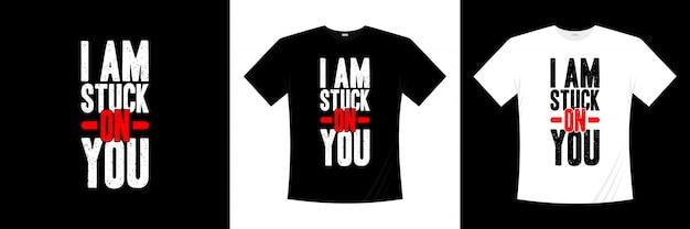 Iamはタイポグラフィのtシャツのデザインにこだわりました
