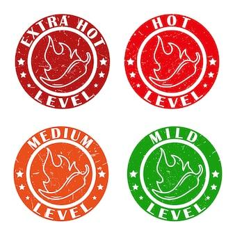 매운 음식 소스 스티커를 포장하기 위한 화재 불꽃이 있는 칠리 페퍼 향신료 수준 스탬프가 있는 아이콘