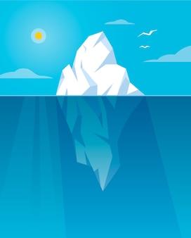 日光の下で氷山を示す