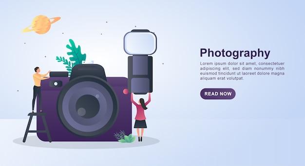 카메라 플래시를 들고 사람과 사진의 그림 개념.