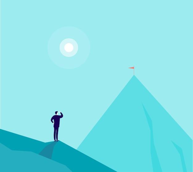 산 정상에 서서 새로운 상단에서 보는 사업가의 그림.
