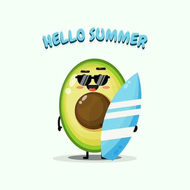 夏の挨拶とサーフボードを運ぶかわいいアボカドのマスコットのイラスト