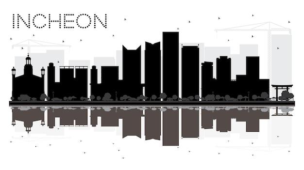 반사와 인천시의 스카이 라인 흑백 실루엣. 벡터 일러스트 레이 션. 관광 프레젠테이션, 배너, 현수막 또는 웹 사이트를 위한 단순한 평면 개념입니다. 랜드마크가 있는 도시 풍경.