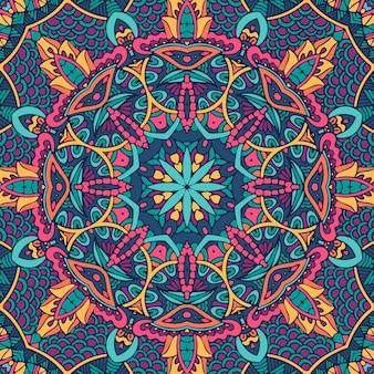 インドの花の抽象的な幾何学的なペイズリーメダリオンのシームレスなパターン。