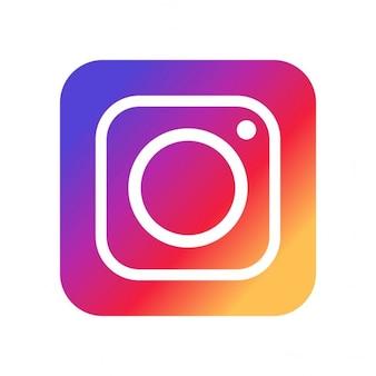 Рамка instagram с сердцем и камерой | Бесплатно векторы