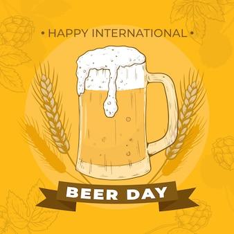マグカップでの国際ビールデーのお祝い