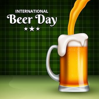 Международный день пива, август. приветствия с звонкими пивными кружками концептуальными.